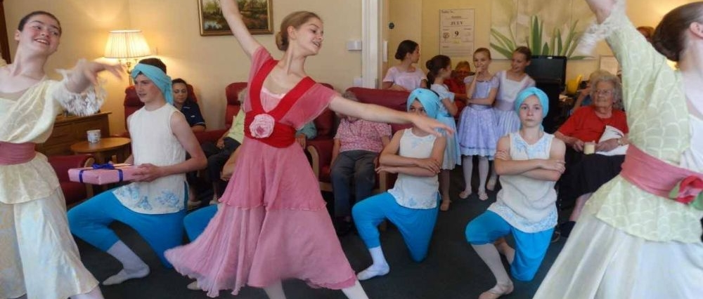 London Childrens Ballet come to perform at The Glebe