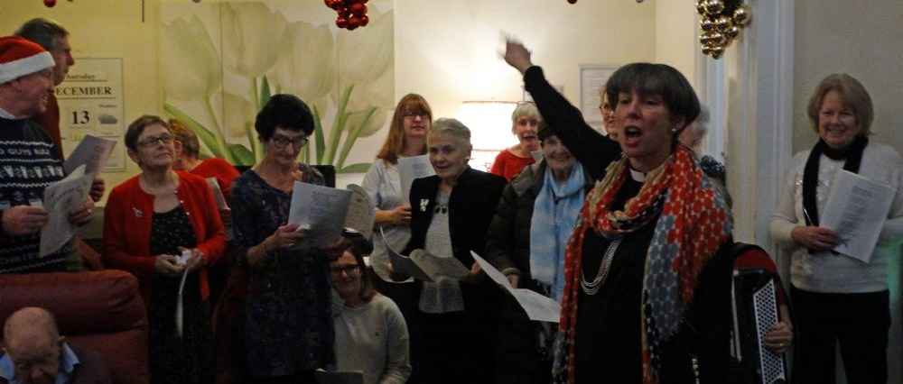 Chaldon Church Choir sing Carols