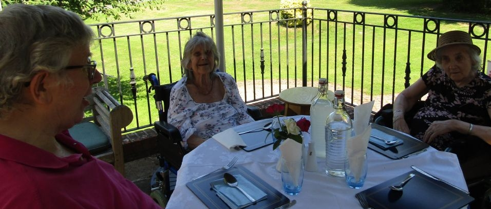 Alfresco Dining at Glebe House